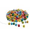 Letterblokjes gekleurd in een zak